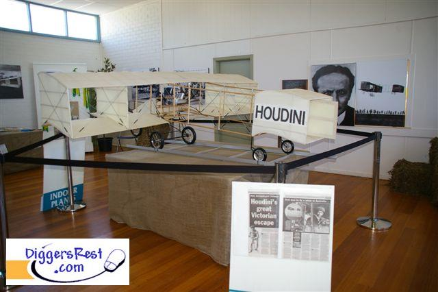 houdini-biplane-2010