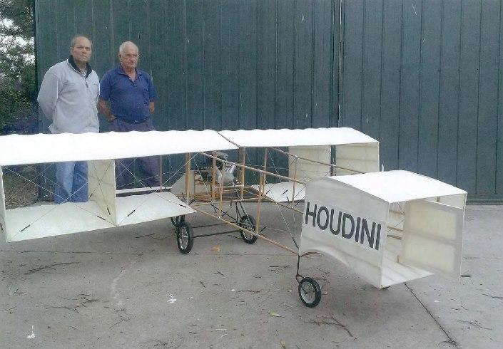 houdini-bi-plane