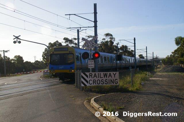 diggers-rest-railway-crossing